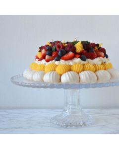 Oppskrift: Pavlova med pasjonskrem og friske bær